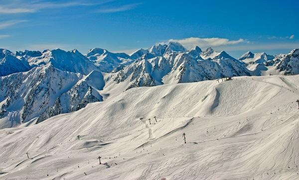 Las estaciones de los Vallées de Gavarnie no destacan por su extensión pero sí por sus paisajes incomparables y la calidad de su nieve