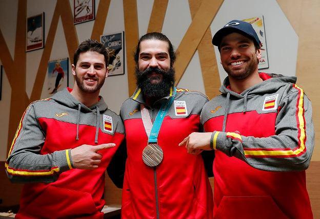 Hernández junto a Eguibar y Herrero, compañeros de equipo de SBX