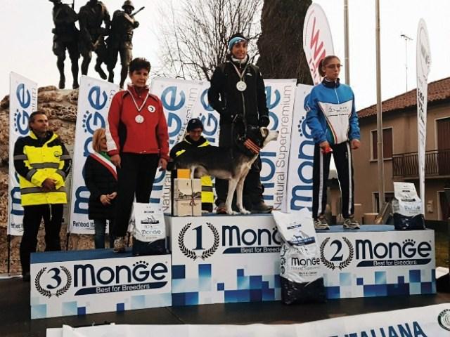 Olga Álvarez, campeona en la categoría Canicross Damas del Campeonato del Mundo de perros nórdicos sobre tierra el pasado mes de noviembre 2017