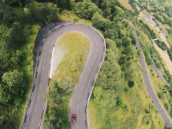 Las carreteras que unen España con Francia ofrecen un paisaje espectacular a medida que se va ascendiendo FOTO: pyrenees-trip.es