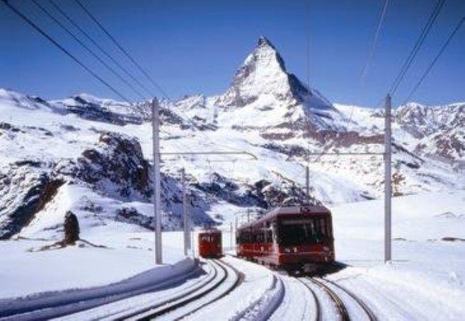 Sion es la mayor aglomeración de Valais, el cantón de esquí por excelencia en Suiza, y donde se encuentran la mayoría de estaciones de esquí