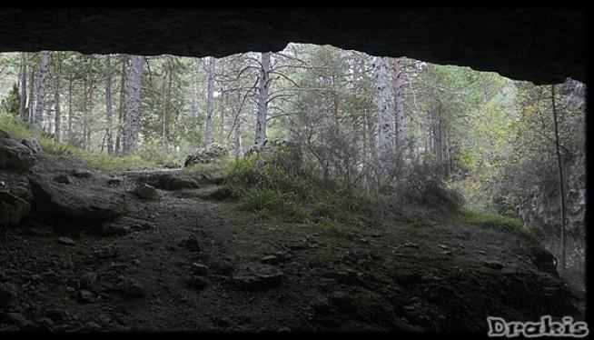 Vista de la cueva Obriga (Sierra de Albarracín)