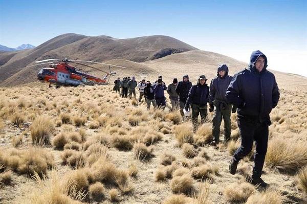 Los miembros del equipo del presidente argentino Macri, en el momento de ser evacuados. FOTO: Presidencia Argentina