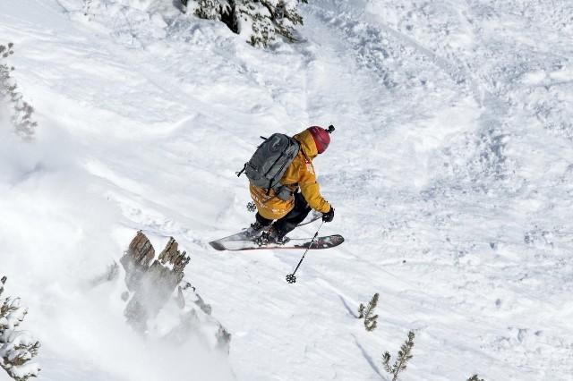 Navarro, de 29 años, completará así su segunda temporada en la élite mundial del esquí fuera de pistas