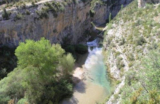 Los expertos aconsejan prudencia por la gran cantidad e agua que llevan los barrancos este año en el Pirineo