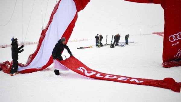 Fuertes rachas de viento, una copiosa nevada y más tarde una intensa lluvia han obligado a cancelar el slalom masculino de Soelden.