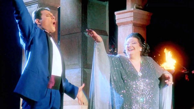 Vídeo clip de 'Barcelona' santo y seña de los Juegos Olímpicos de Barcelona 92, con la soprano Montserrat Caballé y Freddie Mercury