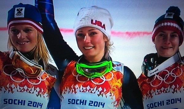 Marlies Schild, Mikaela Shiffrin y Katrin Zettel, en el podio del slalom olímpico de Sochi 2014.