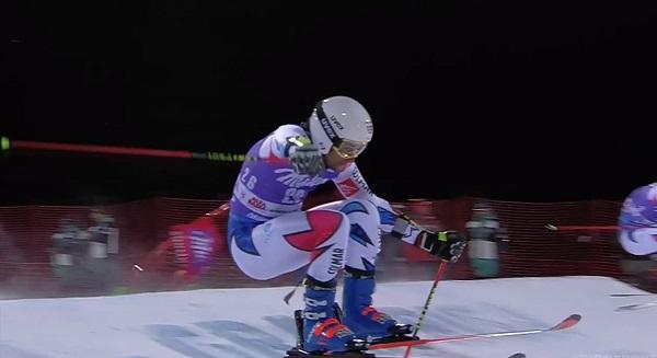 Mathieu Favrot, el invitado sorpresa que se ha colado en la final como regalo anticipado de su 24 aniversario, subiendo por primera vez al podio