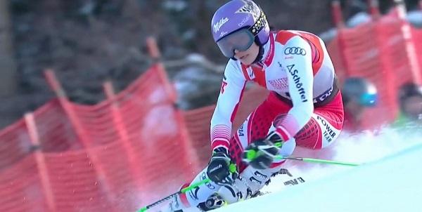 Anna Veith, doble ganadora de la Copa del Mundo, se ha lesionado de gravedad y dice adiós a la temporada.