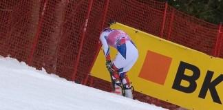 Jean Baptiste Grange tras lesionarse el domingo en el slalom de Wengen.
