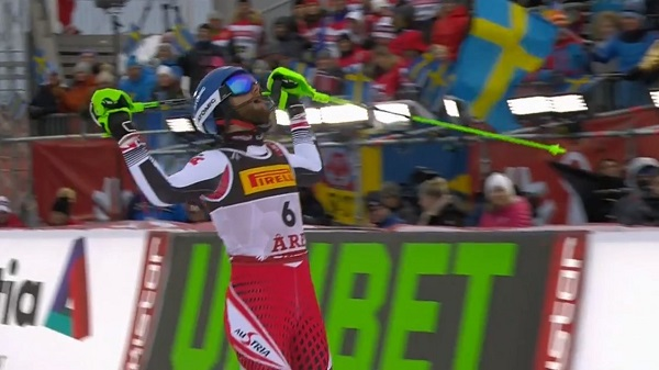 Marco Schwarz entra en meta. Al final el bronce sería suyo.