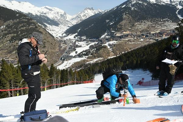 La nieve de las pistas Àliga y Avet está dentro de los límites de la granulometría y densidad de la nieve que requiere la FIS. FOTO: Granvalira