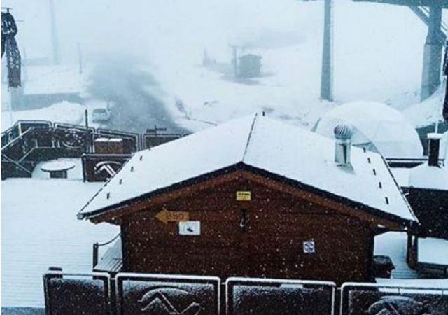 La nieve comienza a sumar centímetros en Arcalís