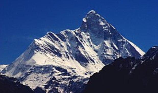 Una vista del Nanda Devi, en el Himalaya indio