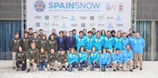 Foto de familia del equipo RFEDI para esta temporada. FOTO: © Jaime Lahoz, RFEDI-SPAINSNOW