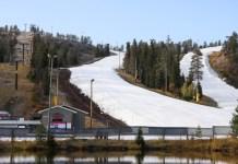 Las pistas abiertas son Saarua II y RukaPark con nieve almacenada