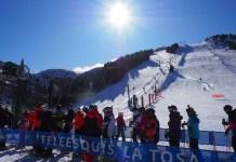 Los primeros esquiadores que han dsifrutado de la estación