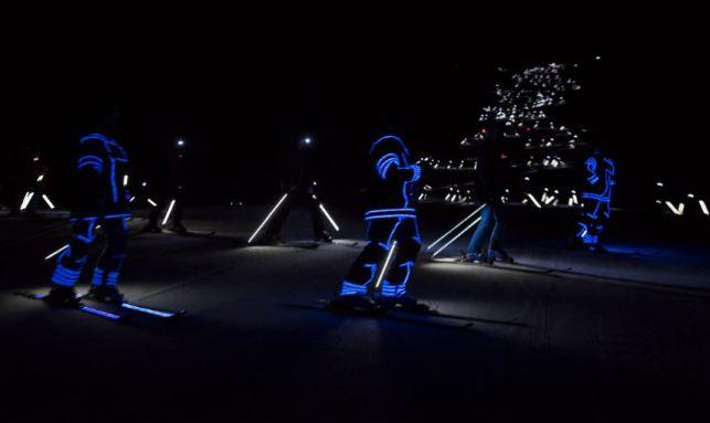 Los esquiadores equipados con luces LED hicieron vibrar más que nunca las pistas aranesas