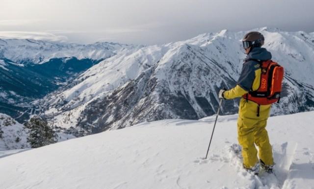 Un esquiador en las pistas aranesas