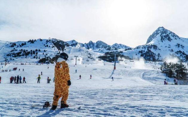 Los disfraces teñirán de colorido la nieve el fin de semana