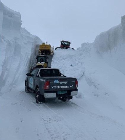 Los servicios del glaciar Fonna llevan días despejando los accesos. FOTO: @visitfonna
