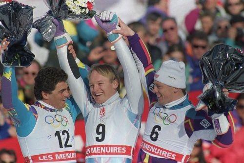 Jagge tras ganar el oro en el slalom de los Juegos de 1992, junto a Alberto Tomba y Michael Tritscher, con quienes compartió el podio.