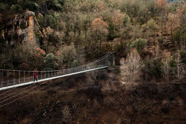 Puente que cruza el desfiladero de Mont-rebel.