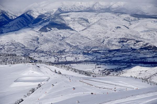 El objetivo del protocolo es hacer de las estaciones de esquí un lugar seguro y saludable.FOTO: Oriol Molas