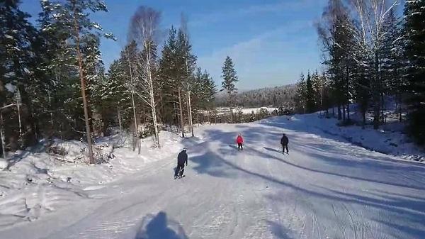 La estación sueca de Tolvmannabacken cambia los esquís por la bicicleta.