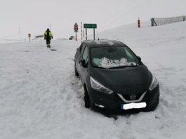 Se saltan las restricciones por el confinamiento y acaban sitiados con 50 cm de nieve