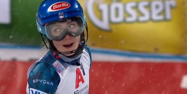 Mikaela Shiffrin ha vuelto a ganar un slalom, poco más de un año después. Lo ha hecho en Flachau, en el que ha sido su cuarto triunfo en la estación de Salzburgo.