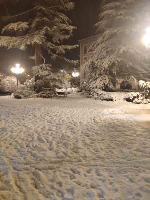 Las calles nevadas, por el paso de Filomena, siguen vacías al contrario de los colapsos de los metros