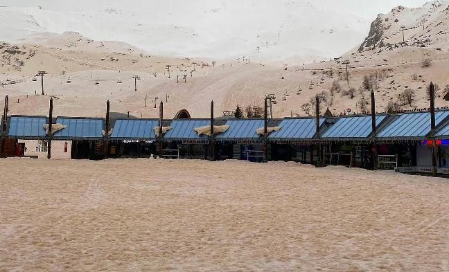 Nieve sahariana en Piau Engaly