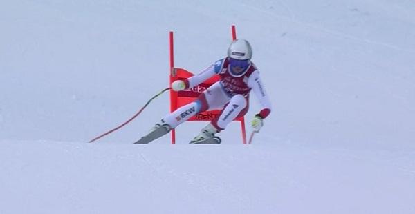 Corinne Suter está obligada a acabar entre las dos primeras en el descenso de Lenzerheide si quiere ganar el Globo de descenso.