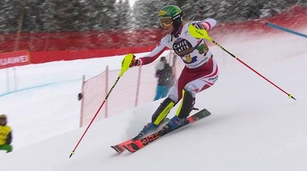 Liensberger arriesga hasta límites inverosímiles gracias a sus reflejos y su técnica.