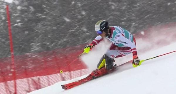 Feller ha logrado su segunda victoria en la Copa del Mundo en el último slalom de la temporada.