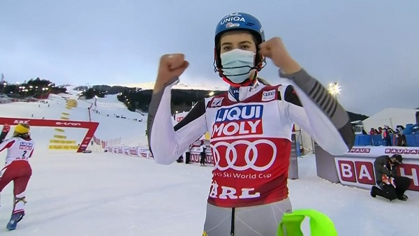 Sexta victoria de la temporada para Petra Vlhova, inmersa en la lucha por el Gran Globo junto a Lara Gut.
