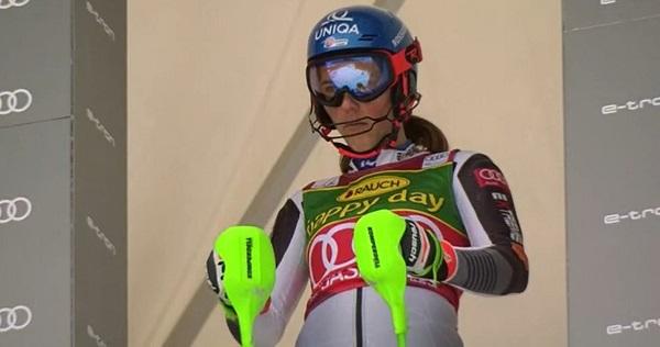 Petra Vlhova lo ha dado todo en una pista que conoce muy bien pero no ha podido evitar ser derrotada por Mikaela Shiffrin.