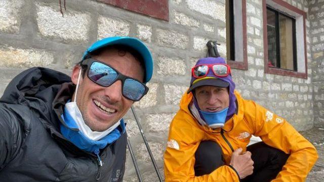 Kilian Jornet junto a su compañero David Gottler