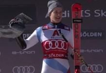 Marco Odermatt en lo más alto del podio de Soelden.
