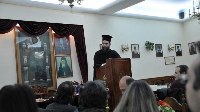 Ουσιαστικός διάλογος και συνεργασία με τους θεολόγους