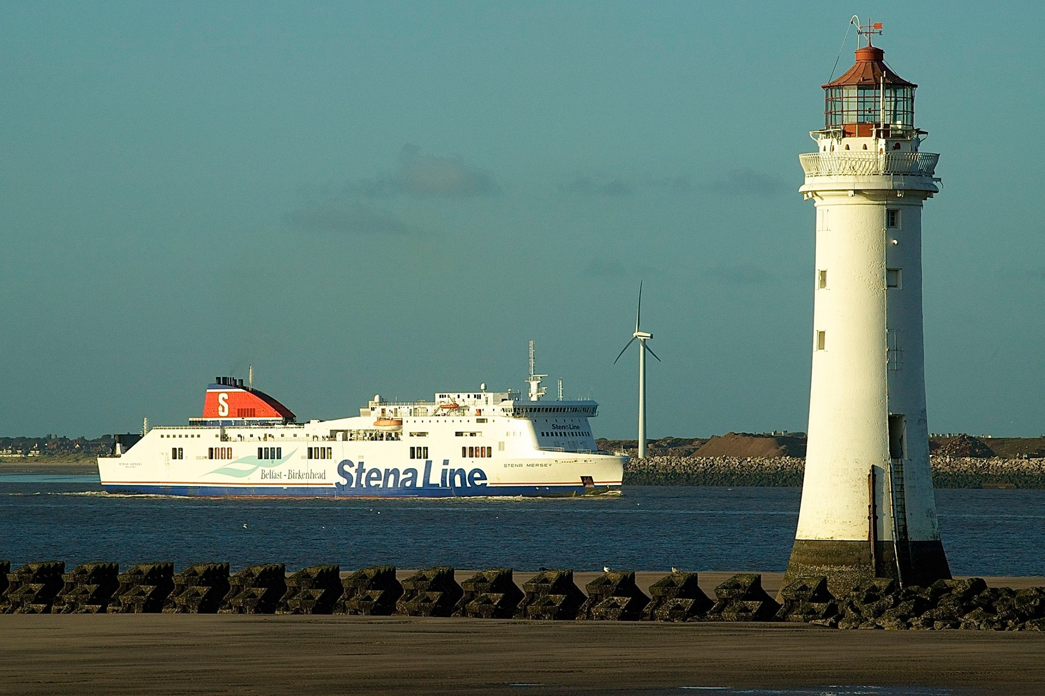 Stena Mersey passing New Brighton on the River Mersey in September 2014. Copyright Gordon Hislip.