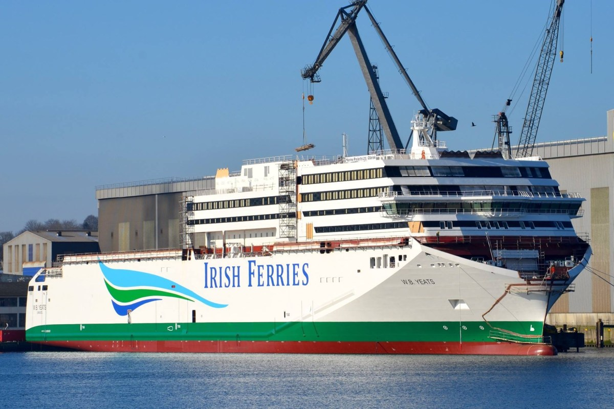 Irish Ferries W.B. Yeats shown under construction at the Flensburger shipyard on 7th February 2018. In this view the heavy-lift crane barges TAKLIFT and MATADOR have lifted the central section of the superstructure into place. Copyright © Frank Jensen