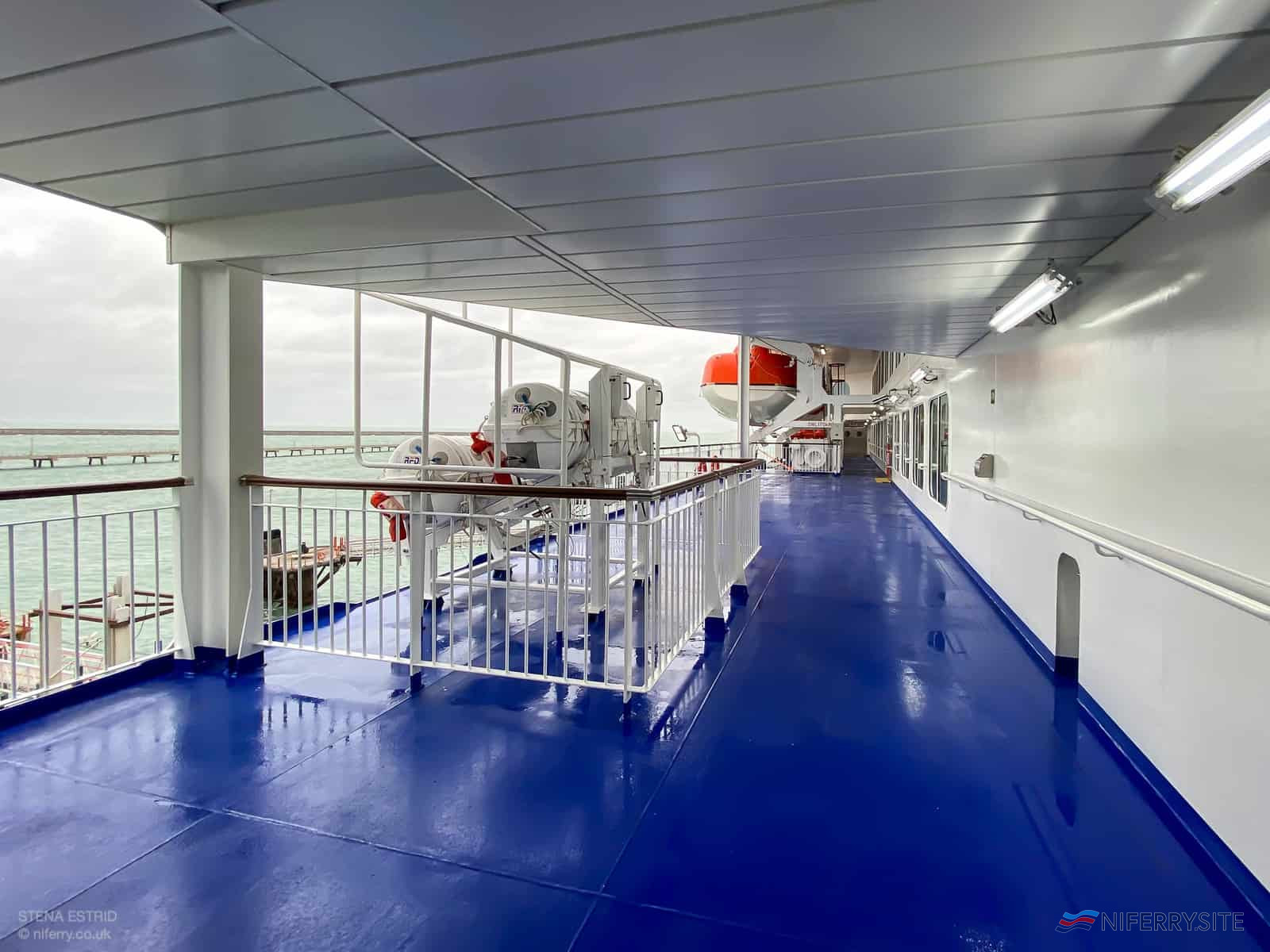Deck 7 Promenade Deck looking forward. © NIFerry.co.uk.