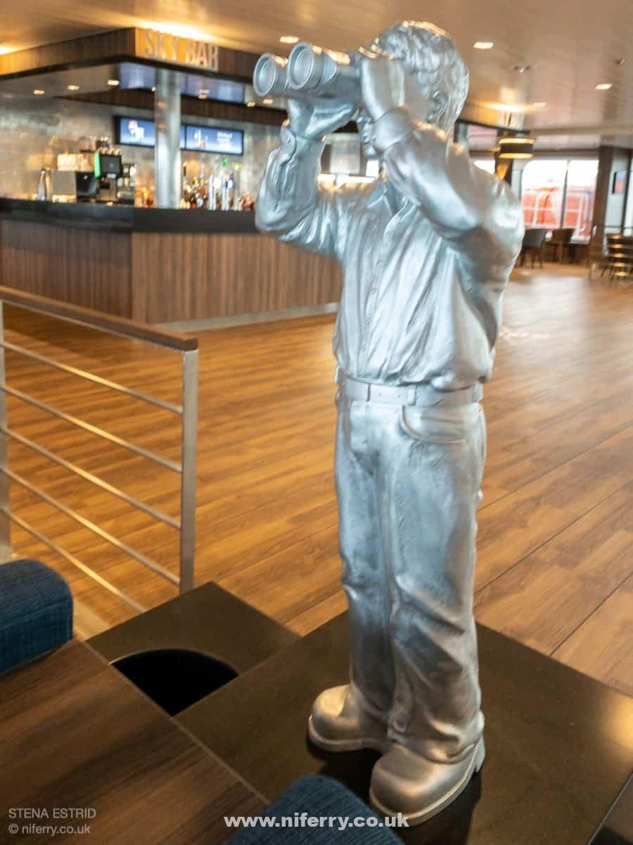 Like other areas of the ship there are little details such as these statues dotted around the Sky Bar. © NIferry.co.uk.