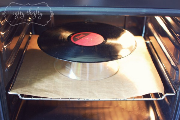 recycled: record bowl from {nifty thrifty things}