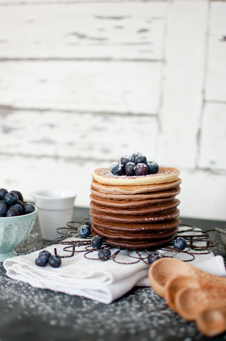 Chocolate Ombre Pancake Tower von {nifty thrifty things}