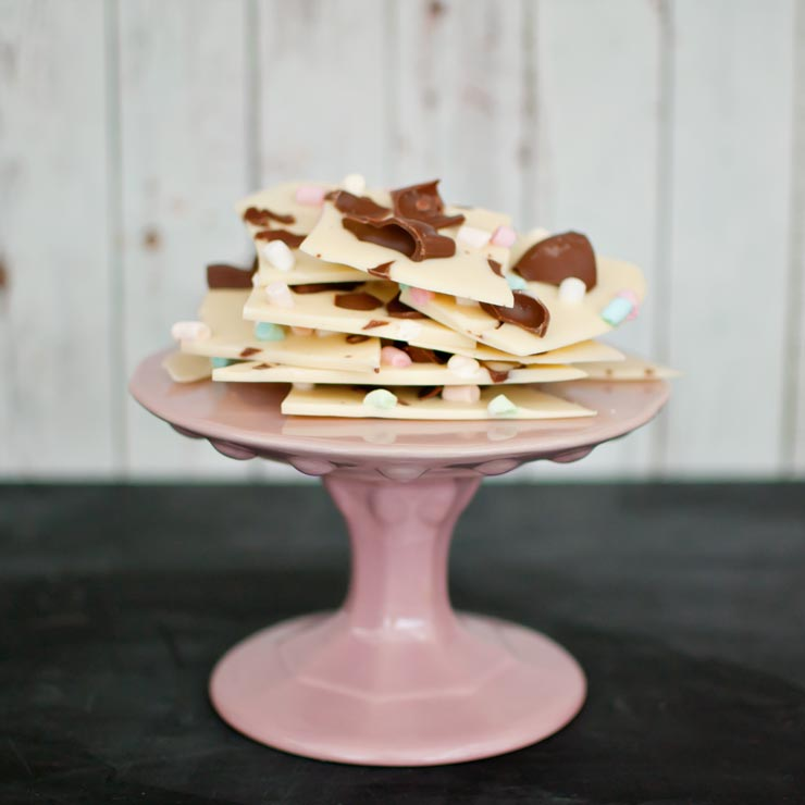 Easter Chocolate Bark from {nifty thrifty things}