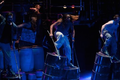 Walking on oil drums in Stomp London(2of3)